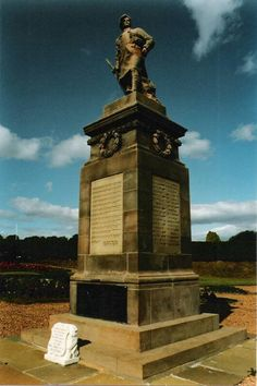 The Scottish War Memorials Project : Newburgh