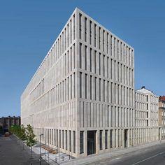 Jacob-und-Wilhelm-Grimm-Zentrum at Humbolt Universitat in Berlin by Folkwang Bibliothek in Essen, Germany by Max Dudler Architekt Concrete Architecture, Architecture Awards, Contemporary Architecture, Interior Architecture, Stone Facade, Brick And Stone, Facade Design, Urban Planning, Modern Architecture
