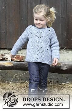 Julie - Knitted jumper with lace pattern for kids. Size 2 - 12 years Piece is knitted in DROPS Air. - Free pattern by DROPS Design Baby Knitting Patterns, Jumper Knitting Pattern, Knit Headband Pattern, Knitting For Kids, Lace Knitting, Knitting Socks, Knit Crochet, Crochet Patterns, Drops Design