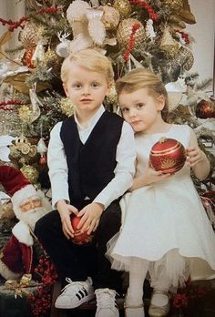 Monaco Twins Prince Jacques & Princess Gabriella Are Ready for Christmas! See the Cute Portrait