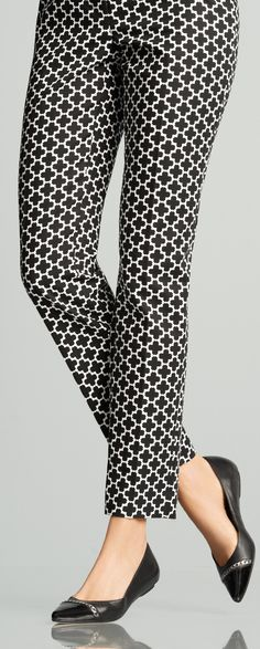 Quatrefoil print pants by White House Black Market. Reminds me of Audrey Hepburn's character in Funny Face.