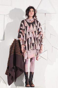[No.6/9] HISUI 2013~14秋冬コレクション | Fashionsnap.com