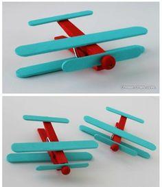 Basteln kinderspielzeuge Wäscheklammern flugzeuge