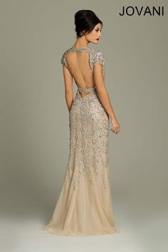 So stunning! #wedding #dress #gold #gatsby #artdeco