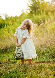 Little girl in field..too cute. | Melissa Treen Photography