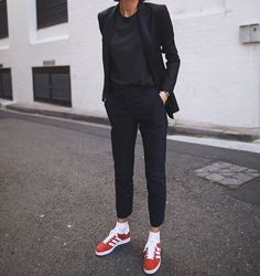 How To Wear Red Sneakers Outfits Casual 59 Trendy Ideas Tomboy Fashion, Fashion Mode, Work Fashion, Fashion Outfits, Womens Fashion, Fashion Black, Fashion Fall, Modest Fashion, Dress Fashion