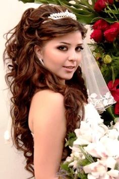 wedding hairstyles with tiara and veil absolutely love it