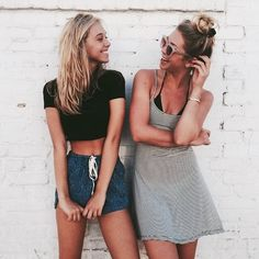 Tumblr best friend photography idea laughing cute