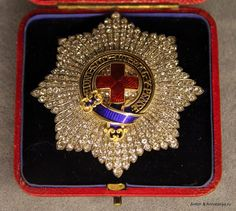 Order of Garter — Star with diamonds, possibly presented to King Gustav V of Sweden by Gavin Campbell, 1st Marquess of Breadalbane (Oscar Gustaf Adolf, Prince of Sweden and Norway (1858-1950), 828th Knight of the Garter (app. 14.6.1905). Succ. 1907 as King) (The Royal Palace of Stockholm, © http://annataliya.livejournal.com/841452.html)