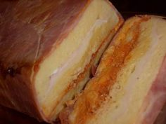 Pastel de bimbo con jamón cocido, queso y bonito campos