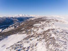 Høyt og fritt med den beste utsikten en kunne tenke seg - Flott høyfjellstomt - Vei, vann og avløp | FINN.no Real Estate, Mountains, Nature, Travel, Summer, Real Estates, Naturaleza, Viajes, Traveling