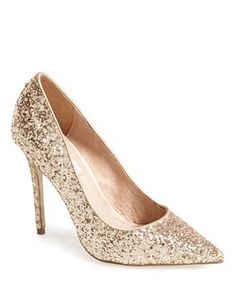 gold glitter pumps http://rstyle.me/n/ucy2ipdpe