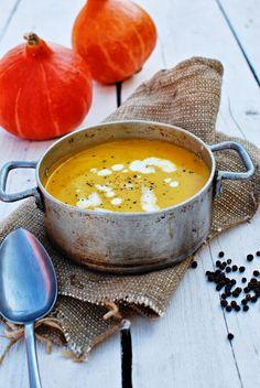 Baked pumpkin soup www. Pumpkin Soup, Baked Pumpkin, Fondue, Yummy Food, Yummy Recipes, Cheese, Baking, Ethnic Recipes, Butternut Squash Soup