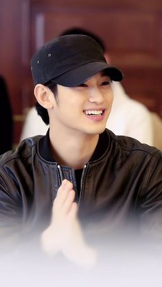 Kim Soo Hyun smile is killer 😍 Korean Drama Stars, Korean Star, Asian Actors, Korean Actors, Korean Dramas, Kim Soo Hyun 2017, Hyun Seo, My Love From Another Star, Choi Jin