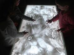 taula de llum: la sal com element per dibuixar
