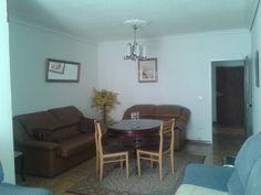 839,00€ · Muebles de laloon y dormitorio segunda mano · Un dormitorio 400e sofá 3+2-250e-mesa 39e-lavadora nueva 150e, · Hogar y jardín > Muebles > Otros muebles