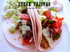 Steak Fajitas www.petitfoodie.com #cincodemayo
