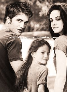 the cullen family - edward-bella-and-renesmee Photo Twilight Saga New Moon, Twilight Edward, Edward Bella, Twilight Film, Twilight Quotes, Twilight Saga Series, Twilight Breaking Dawn, Twilight Cast, Twilight Pictures