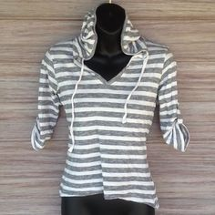 4/$25 SALE! F21 Hoodie top Black and white striped pullover. 3/4 sleeves. V-Neck Forever 21 Tops Sweatshirts & Hoodies