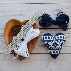Ravelry: Knit Fair Isle Hearts pattern by Erin Black Knitting Patterns, Crochet Patterns, Fair Isle Pattern, Knit In The Round, Craft Box, Keep It Simple, Heart Patterns, One Color, Ravelry