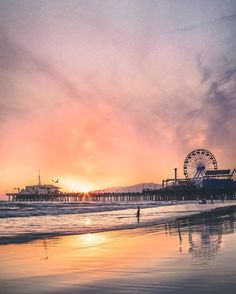 >>>Cheap Sale OFF! >>>Visit>> Santa Monica beach is one of my favorite Southern California beaches because of the pier. Oh The Places You'll Go, Places To Travel, Places To Visit, Pier Santa Monica, Tumblr Ocean, Beautiful World, Beautiful Places, San Diego, Destination Voyage
