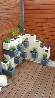 Diy Patio, Backyard Patio, Backyard Landscaping, Landscaping Ideas, Backyard Ideas, Mulch Ideas, Concrete Backyard, Inexpensive Landscaping, Backyard Playground