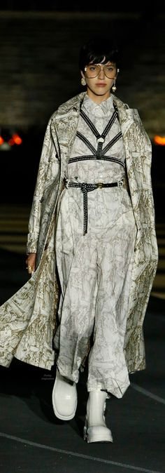 Miss Dior, Shadow Hunters, Christian Dior, Fashion Show, Raincoat, Winter Jackets, Womens Fashion, Clothes, Collection