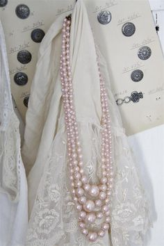 Jeanne d'Arc Living- Powder Rose Pearl String