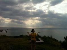 도두봉 정상에서 찍은 사진입니다. 역광이라 어둡게 나오긴 했지만 구름이 너무 예뻐서요~ #카카오톡 곽윤선님