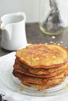 Healthy pancakes made from oatmeal and banana. A healthy and very tasty breakfast, that's how we want to eat breakfast every day, anyway 🙂 Healthy Sweets, Healthy Baking, Healthy Snacks, Low Carb Breakfast, Breakfast Recipes, Happy Foods, No Cook Meals, Waffles, Oatmeal Pancakes