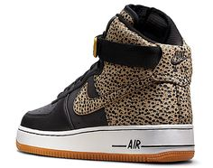 wholesale dealer 99ddd cf6f0 New Safari print adding the perfect amount of flash to the IDs Air Force 1,