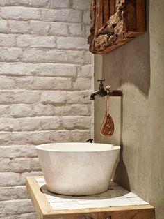 Méchant Design: a dreamy guesthouse - Claus Hochreuter - Badezimmer Outdoor Baths, Wet Rooms, Bathroom Interior Design, Dream Decor, Basement Remodeling, Beautiful Bathrooms, Bathroom Inspiration, Powder Room, Diy Design