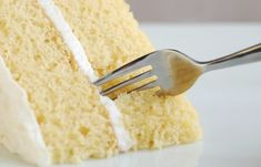 A vanilla cake without egg or milk also known as the recipe for depression cake! This milkless cake recipe is great for people with food allergies! It is a quick and delicious way to satisfy your sweet tooth! Save this pin for later! Vanilla Crazy Cake Recipe, Crazy Cake Recipes, Vanilla Cake, Pear Recipes, Baking Recipes, Dessert Recipes, Lemon Recipes, Baking Ideas, Crazy Cakes