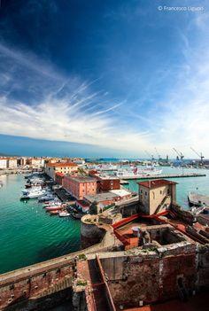 Livorno, Italy (by Maxime Bermond)