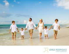Jorge Rodriguez Photography - Destination Wedding Photography & Portrait based in Playa del Carmen, covering Tulum, Cozumel, Isla Mujeres, Cancun & Riviera Maya Mexico  - Riu Hotels & Resorts Family Portrait Photography: The Randall Family were staying at Hotel Riu Palace Mexico and we met up at the closest public beach, on our way we stopped in the middle of a green area at Playacar then we went to the beach to do more candid portraits, we had a lot of fun surfing the waves and doing sand…