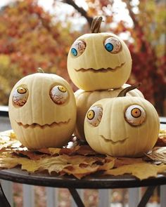 Zombie pumpkins! Too cute.
