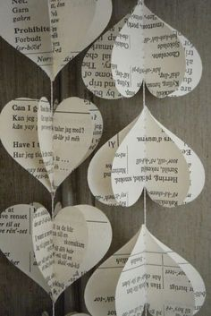 Easy And Beautiful DIY Projects Made With Old Books 2017 Upcycled Old Book Page Heart Garland. DIY Projects Made With Old Books! , Tips and Ideas for Gifts and DIY Home Decor. The Paper Wedding Anniversary Gift Ideas Kids Crafts, Old Book Crafts, Book Page Crafts, Valentine Crafts For Kids, Valentines, Diy Old Books, Book Page Art, Valentine Hearts, Geek Crafts