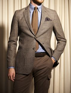 You could work a brown tie too Smart Casual Tie, Casual Wear For Men, Mens Tailored Suits, Mens Suits, Suit Fashion, Mens Fashion, Gentleman Fashion, Sharp Dressed Man, Dress Codes