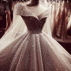 Masterpie wedding dress Calla Limited for Irene Hoang Pretty Quinceanera Dresses, Cute Prom Dresses, Pretty Dresses, Bridal Dresses, Girls Dresses, Princess Ball Gowns, Princess Wedding Dresses, Fantasy Gowns, Fairytale Dress