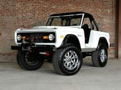 black and white ford bronco | 1977 Ford Bronco Fuel Injected 5.0L, Beautiful Classic Daily Driver ...