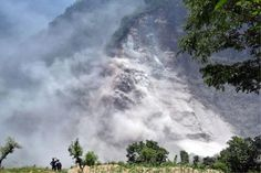 06/11/2015 - Landslides kill at least 15 after heavy rain in Nepal