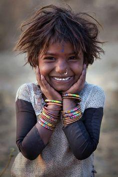 Smile in the eyes! Girl from the Kalbelia gypsy caste-India - Ķãwţhåř - Google+