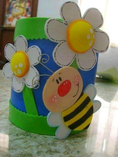 Recycle Aluminum Cans and Make Beautiful Decorated Organizers Kids Crafts, Bee Crafts, Preschool Crafts, Diy And Crafts, Arts And Crafts, Foam Sheet Crafts, Foam Crafts, Paper Crafts, Diy Y Manualidades