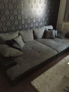 BIG Sofa Zu Verkaufen Reserviert Bis Montag In Berlin