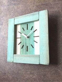 西海岸スタイル掛け時計グリーン Minne, Clock, Wall, Home Decor, Wood Clocks, Watch, Decoration Home, Room Decor, Clocks