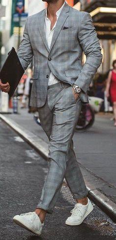 Dashing Grey Checks Suit For Men