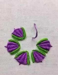 hand embroidery stitches tutorial step by step Hand Embroidery Videos, Embroidery Stitches Tutorial, Embroidery Flowers Pattern, Embroidery Techniques, Embroidered Flowers, Brazilian Embroidery Stitches, Creative Embroidery, Ribbon Embroidery, Cross Stitch Embroidery