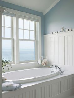 Gorgeous 35 Awesome Coastal Style Nautical Bathroom Designs Ideas https://homevialand.com/2017/06/21/35-awesome-coastal-style-nautical-bathroom-designs-ideas/