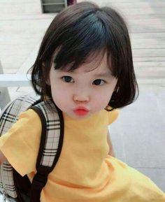 Asian half ulzzang kawaii Fashion 可愛い ღ Cute Little Baby, Baby Kind, Cute Baby Girl, Little Babies, Little Girls, Cute Asian Babies, Korean Babies, Asian Kids, Cute Babies