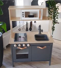 Ikea Kitchen Diy, Diy Kids Kitchen, Kids Furniture Sets, Ikea Dresser Hack, Cool Room Designs, Ikea Makeover, Cool Kids Rooms, Kids Room Organization, Ikea Hacks